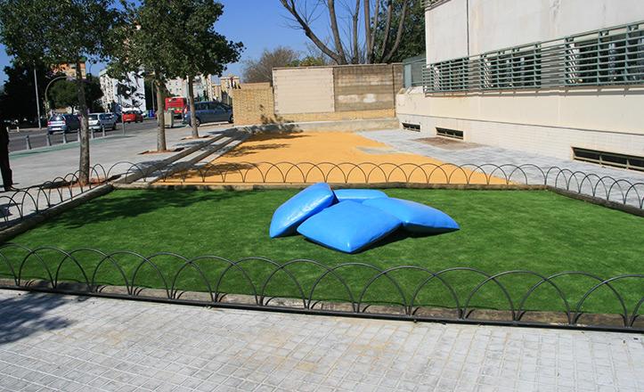 escultura-almohadas-paz
