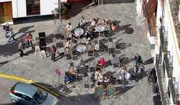 Veladores en la calle Alemanes