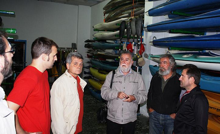 Antonio Rodrigo Torrijos con los clubes de piragüismo