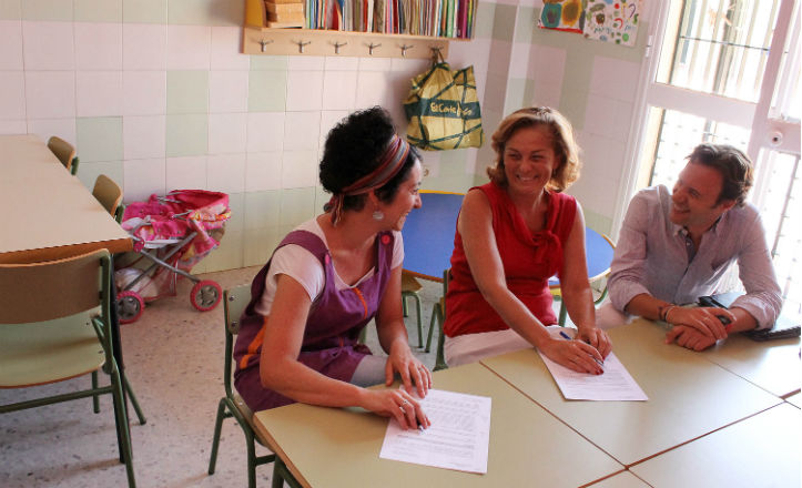 Firma del convenio con el centro de menores