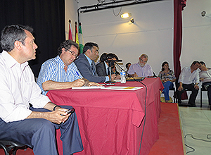 mesa del debate de distrito norte