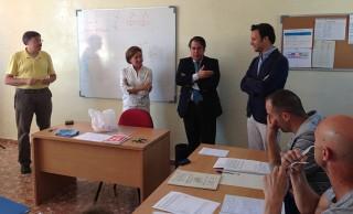 Gregorio Serrano y José Miguel Luque visitan los talleres de empleo de Amate