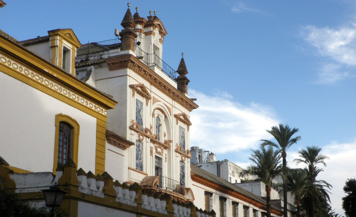Fachada de la iglesia de San Jorge, perteneciente al Hospital de la Caridad