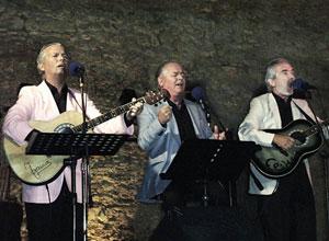 Los Hache Hache, con la música desde Sanlúcar a Triana