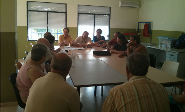 Reunión del director del Distrito Cerro-Amate con los vecinos de Palmete