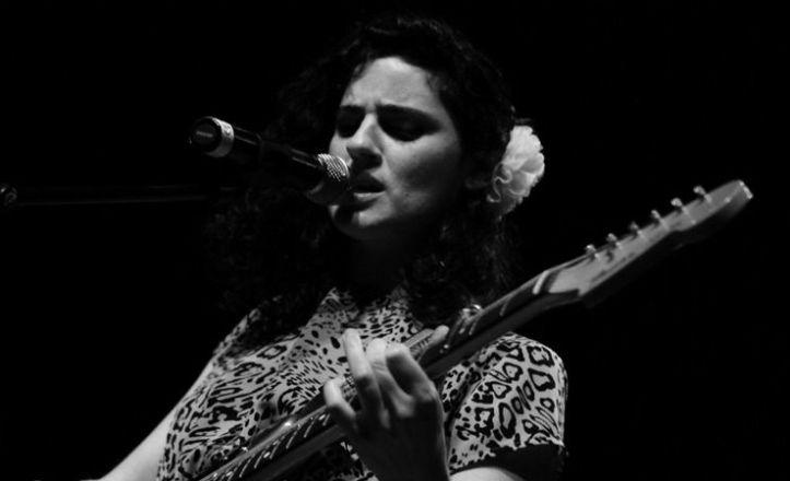 Marina_Gallardo_en_concierto_en_la_sala_Madchester_en_Almer_a