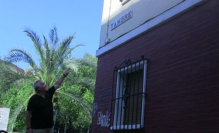 Nicolás Tovaruela en la calle Tambre