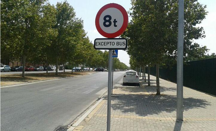 Nueva señalización en la avenida Parsi