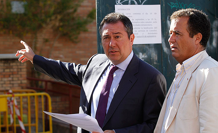 Espadas y Cabrera en el colegio Sor Ángela de la Cruz.