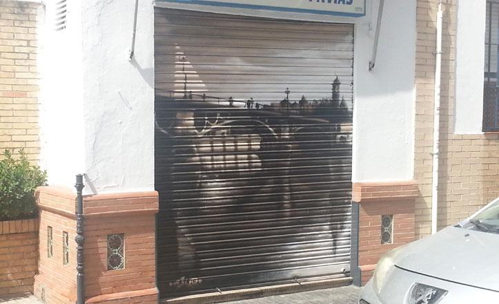 foto-puerta-local