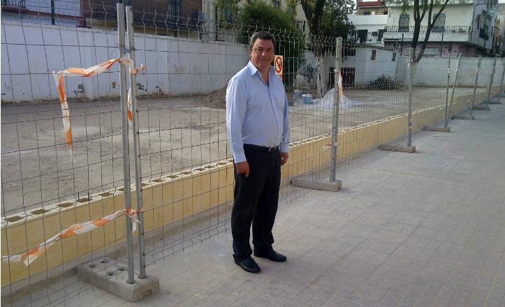 Ignacio Flores en la obra del colegio