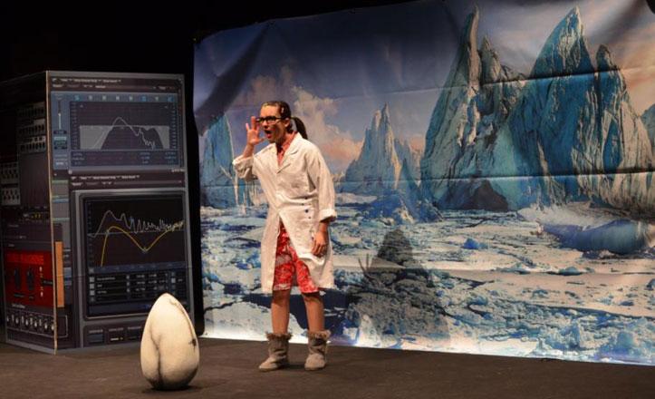 Un espectáculo acerca la Ciencia a los niños del Polígono Sur