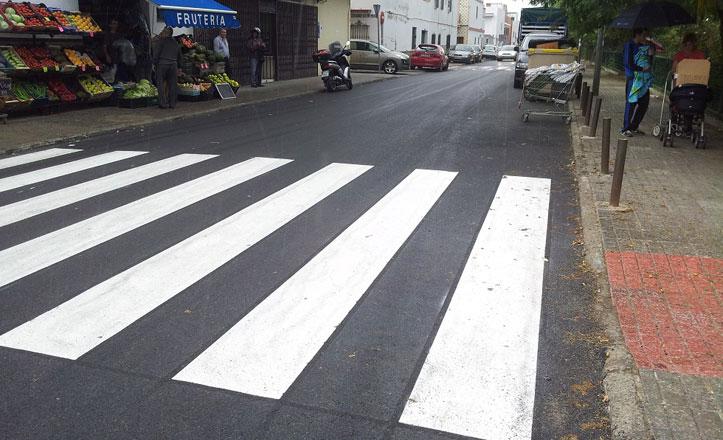 La calle Rafael García Minguel estrena asfaltado