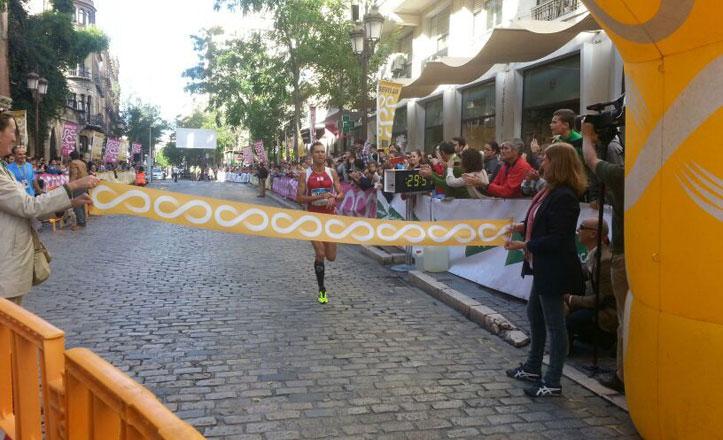 Casi 9.000 personas participan en la Carrera Popular del Casco Antiguo