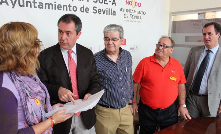 La plataforma contra la zona azul de Macarena registra casi 1.000 firmas