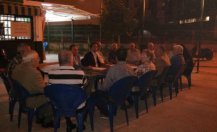 El distrito Cerro-Amate se reúne con vecinos de la barriada Federico García Lorca