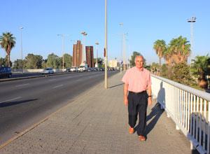 El primer hombre que cruzó el Puente de las Delicias
