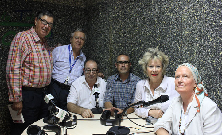 Radio Triana se suma «al rosa»