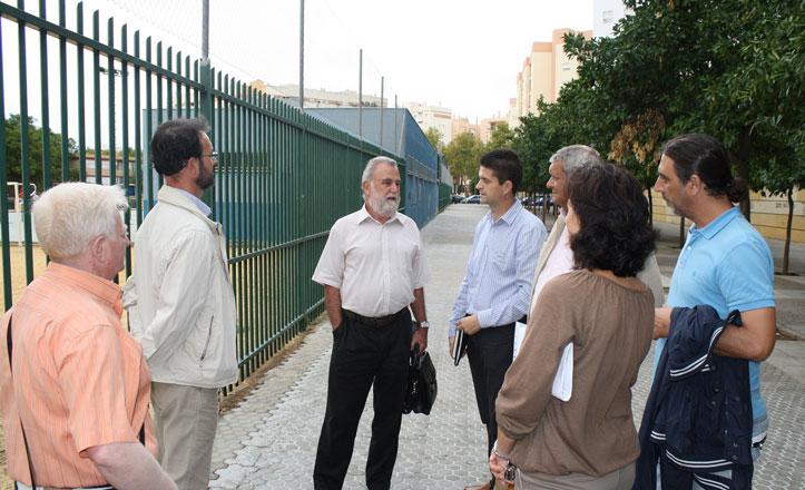 IU critica la «desatención del gobierno municipal» en la barriada Parqueflores
