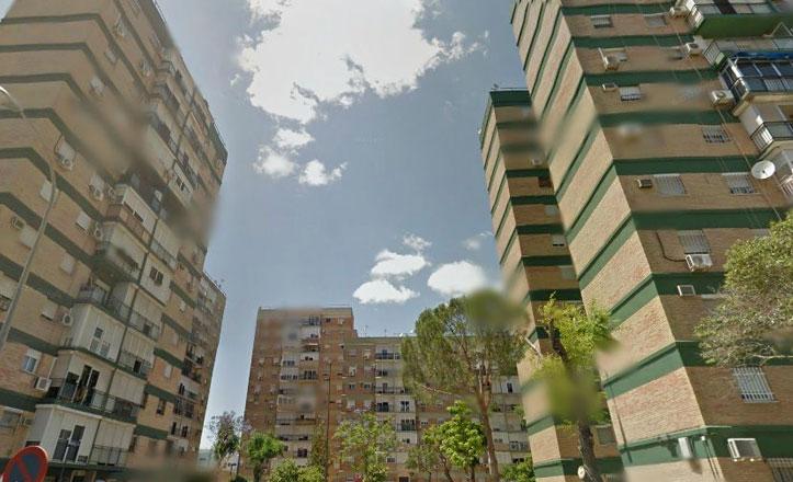 Los vecinos de La Romería trasladan sus peticiones al distrito