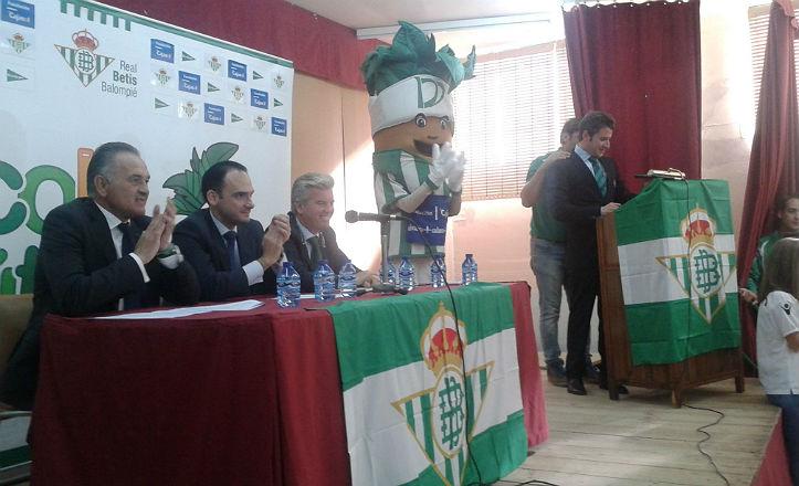 Celebración de la campaña «Del cole al fútbol»