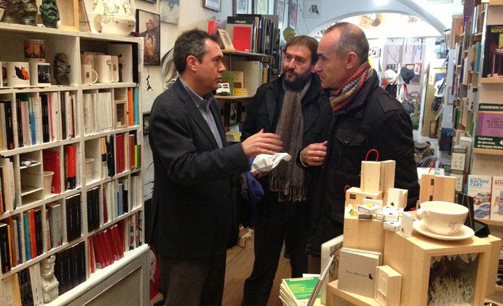 Espadas propone medidas municipales de apoyo al sector de las librerías