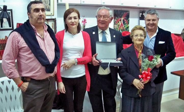 Juan Canto González junto a sus familiares