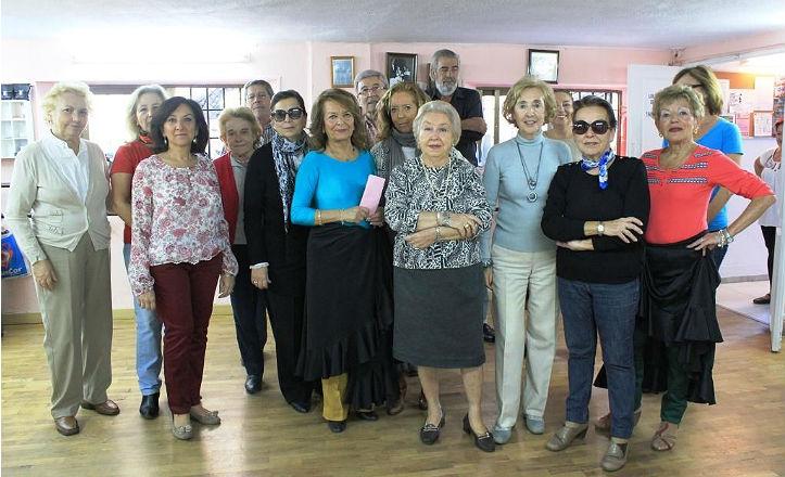 Alumnos del taller de flamenco del Distrito Los Remedios