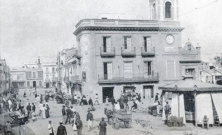 La plaza del Altozano, monte y mentidero de Triana