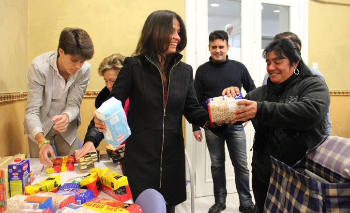 La «Cabalgata» que alimenta a más de 300 familias de la Macarena
