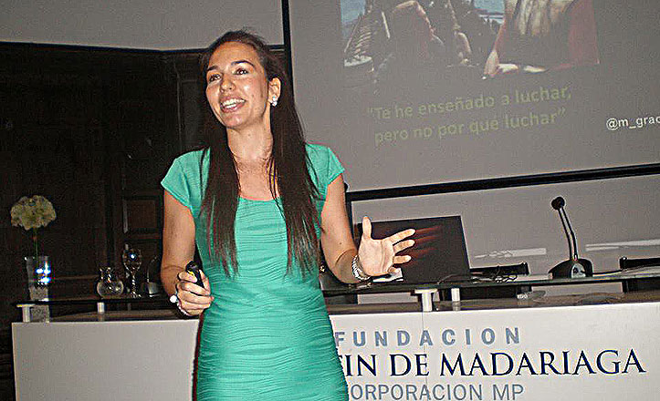 Una trianera, nominada a mejor comunicadora personal 2013