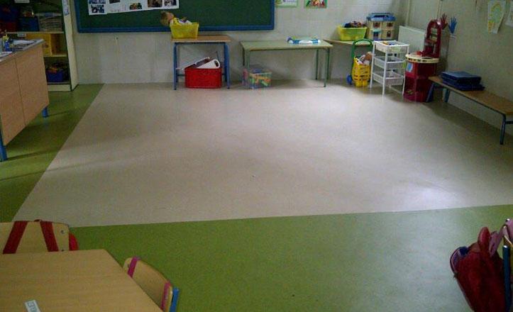 Instalan un nuevo pavimento en el Colegio Carmen Benítez