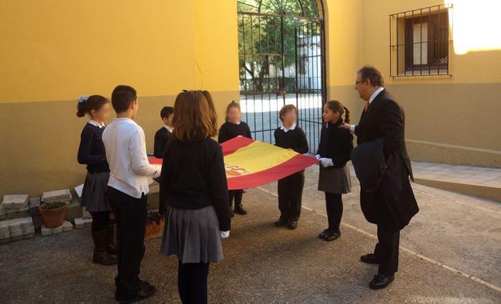 zoido-colegio-espana-constitucion