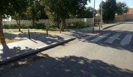 Evitan aparcamientos indebidos con bolardos en Palmete