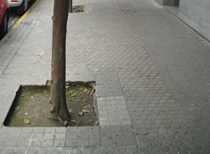 El acerado de la calle Doctor Arruga será arreglado