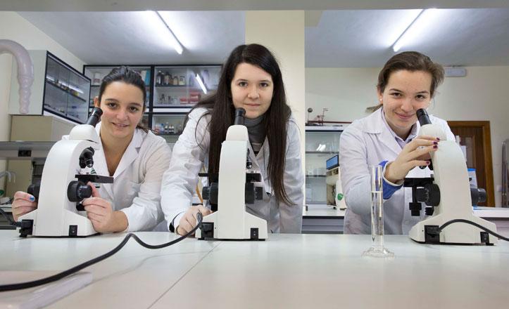 Tres alumnas del San Francisco de Paula, a las olimpiadas científicas europeas