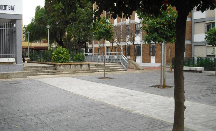 Cubiertas las zonas terrizas en la calle Sevillanas