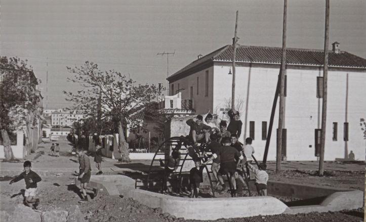 Parque infantil en la calle Don Gonzalo de Mena