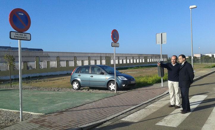 Nuevas señales de seguridad en los accesos al CEIP Sebastián y Bandarán