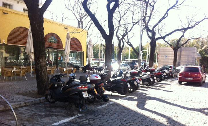 aparcamientos-motos-prado