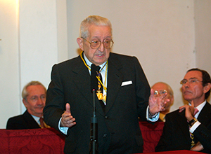 Homenaje a Don Rafael Martínez Domínguez