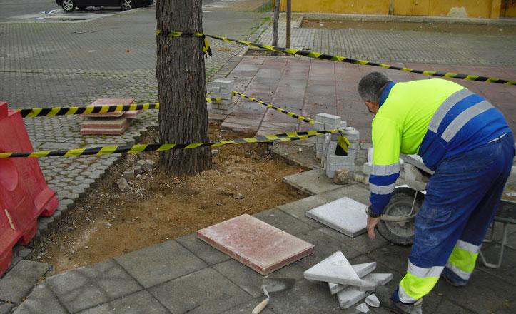 Mejoras en los aparcamientos y la plaza entre las calles Memphis y Persépolis