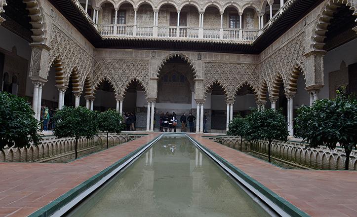El patio de las Doncellas del Alcázar de Sevilla