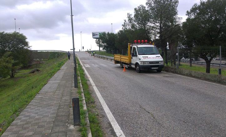 Instalan biondas en la zona peatonal de la autovía A8028 en Padre Pío
