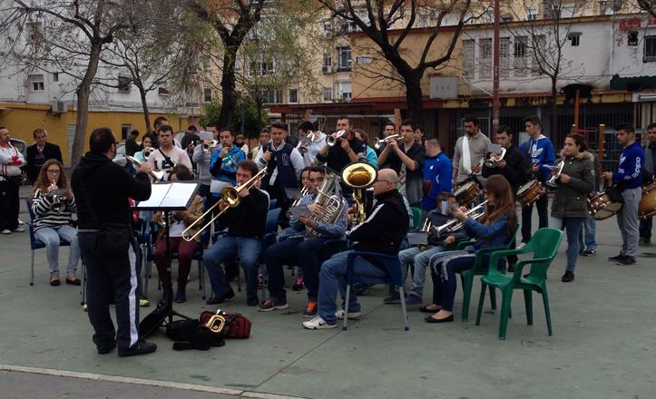 La Banda de CCyTT del Carmen de Su Eminencia ensayó excepcionalmente en la Plaza de la Candelaria