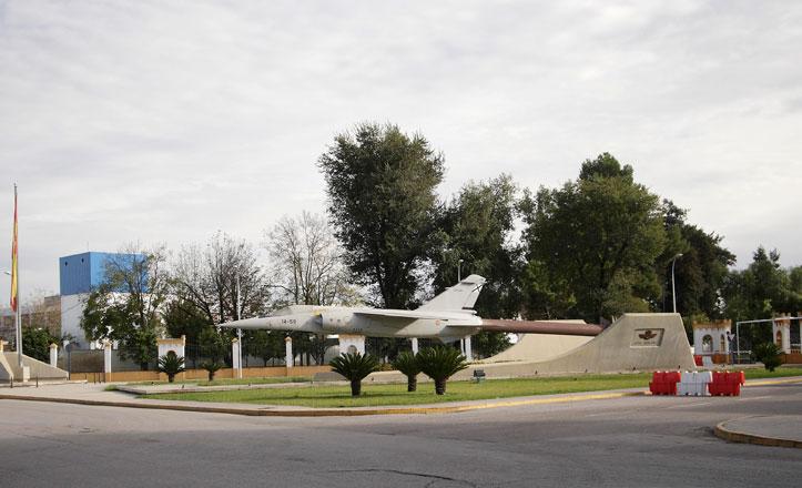 Tablada, del toreo de Belmonte a histórico aeródromo