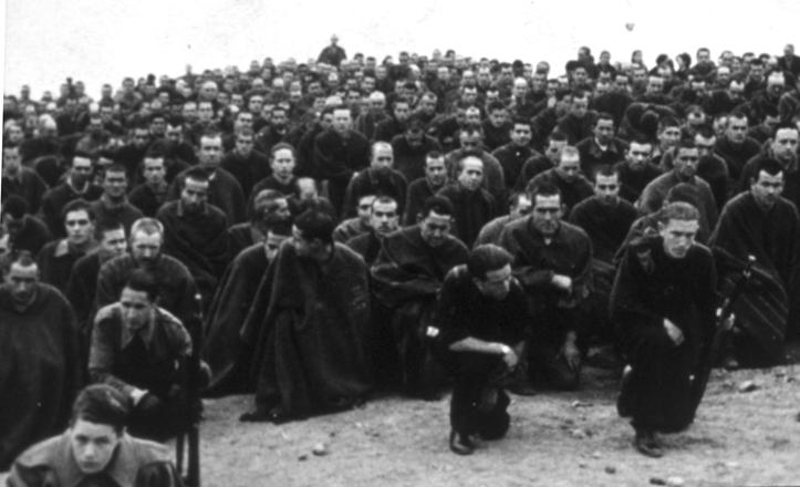 Un grupo de presos que construyeron el Canal del Bajo Guadalquivir