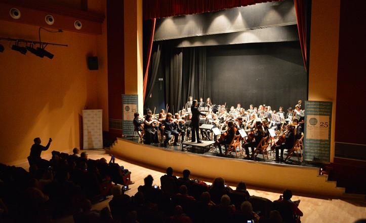 Momento del concierto de la orquesta del Conservatorio Profesional «Francisco Guerrero»