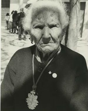 Devota de la Hermandad del Cerro, año 1989
