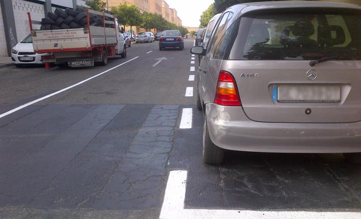 Mejoras en la señalización vial de la calle Salvador Távora